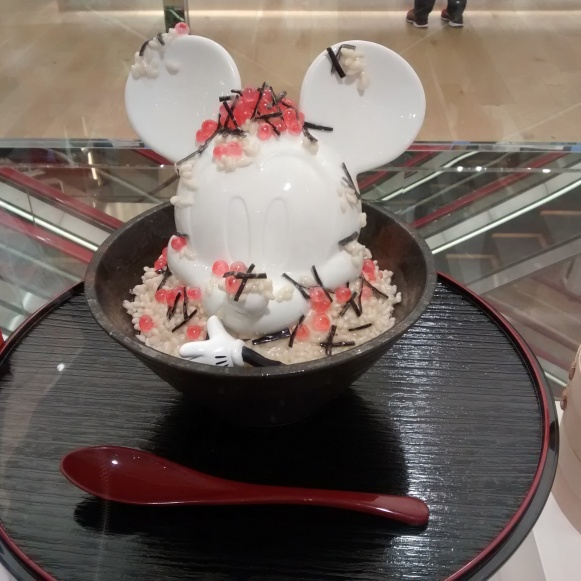 An artist's rendition of Mickey Mouse at UNIQLO Ginza